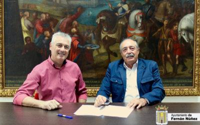 Firma de convenio de colaboración entre Ayuntamiento de Fernán Núñez y Caja Rural de Jaén.